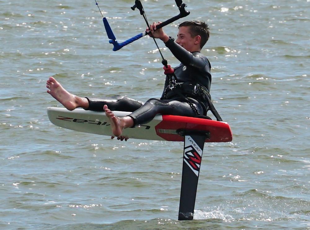 kitesurfen-jamie-overbeek-kitefoil-hydrofoil-levitaz