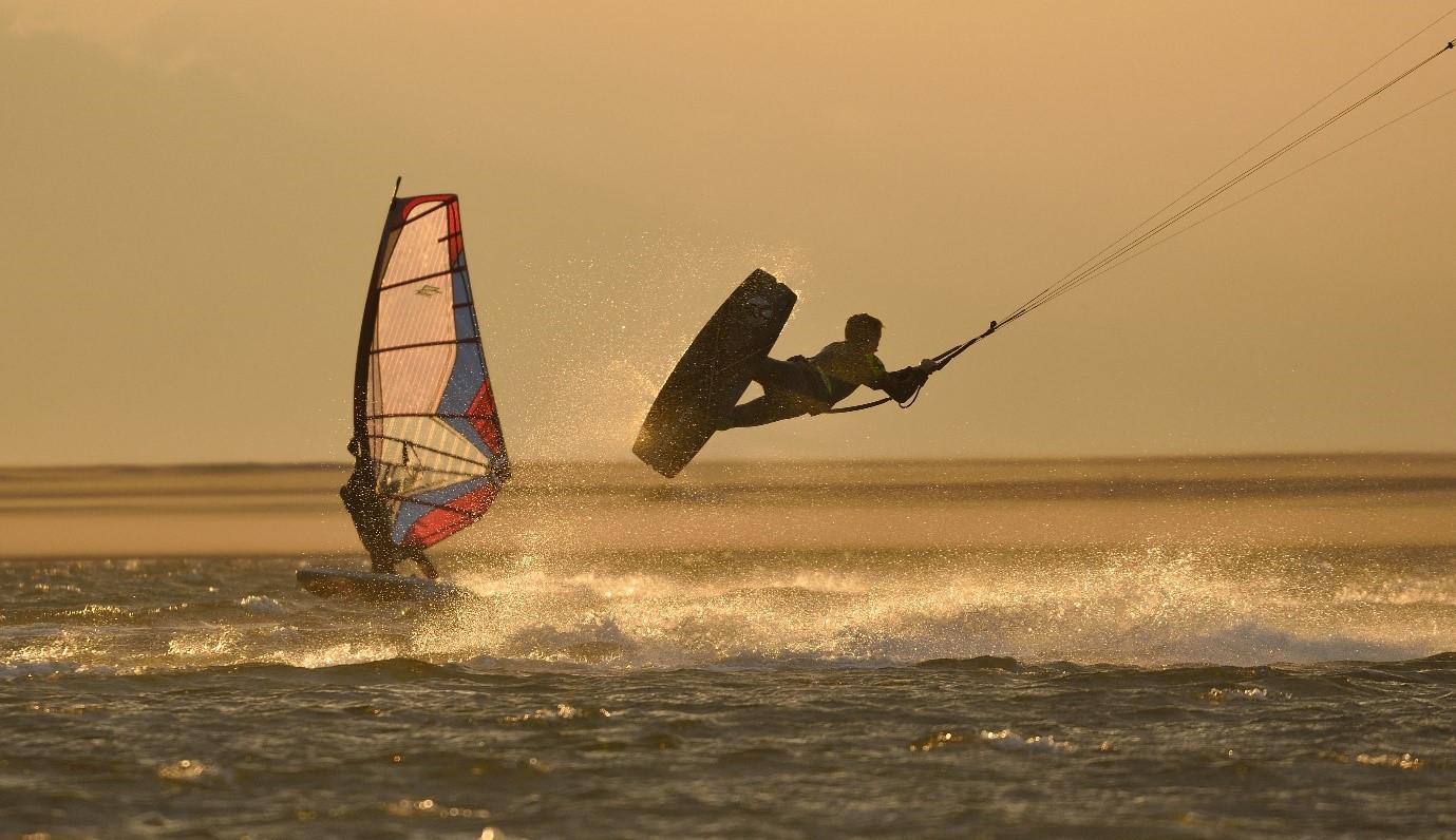 kitesurf-fotograaf-patrick-van-der-ven-zandmotor-kijkdijn-windsurfer-kitesurfer