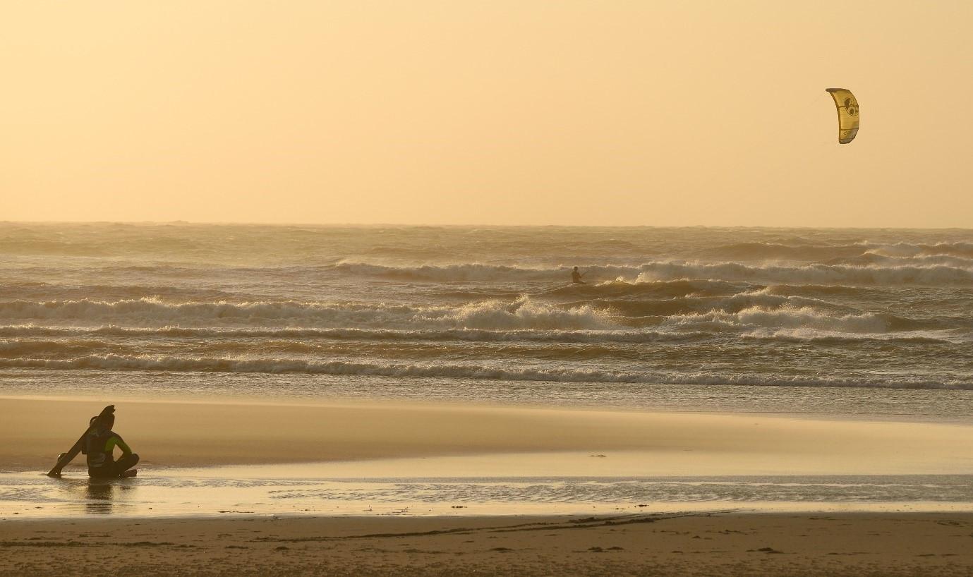 kitesurf-fotograaf-patrick-van-der-ven-zandmotor-kijkduin-storm