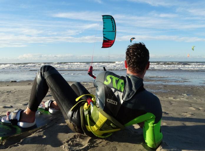 Welke dikte kitesurf winter wetsuit heb ik nodig?